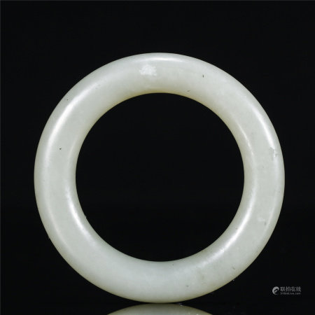 A white jade ring