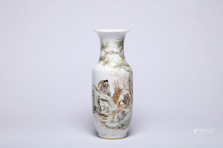 A Storied Qianjiangcai Famille Rose Vase with Wan Yun Yan Mark
