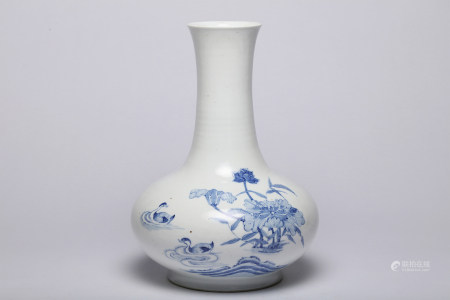 A Blue and White Birds and Floral Vase Qing Dynasty