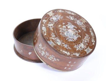 Chinese 18/19 C Hard Wood Round Box Shell Inlay