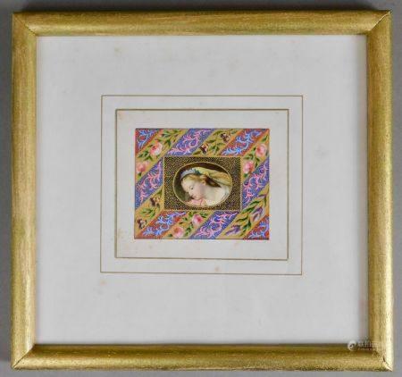 ÉCOLE du XIXème s. Femme à la couronne bleue, roses et pensées Miniature façon [...]