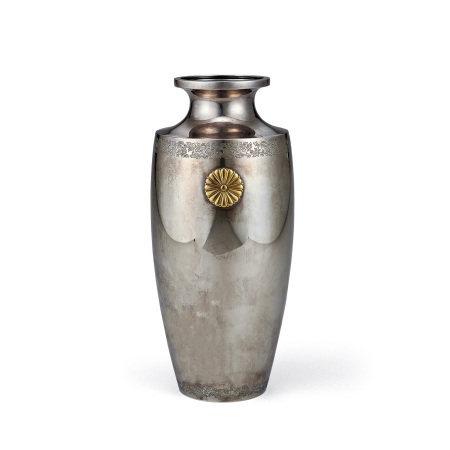 三越製 純銀菊紋花瓶