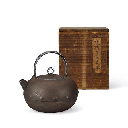 鐵包銀砲口壺