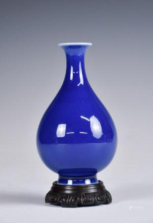 A Blue Glazed Porcelain Vase w/Stand YongZheng Mark,19th C.