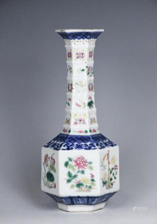A Blue & White Famille Rose Flower   Hexagon Vase
