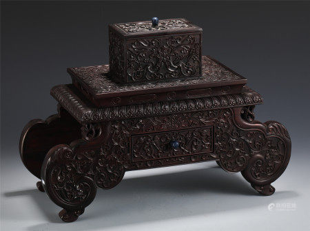 CHINESE RED SANDALWOOD ENGRAVED FLOWER PATTERN BOX AND PEDESTAL