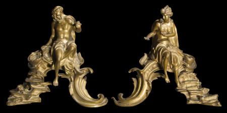 Paire de chenets en bronze doré représentant Vénus et Vulcain ; (sans fers).  - [...]
