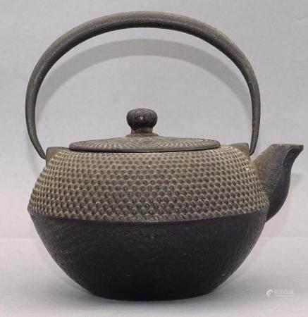 Eisen-Teekessel, China