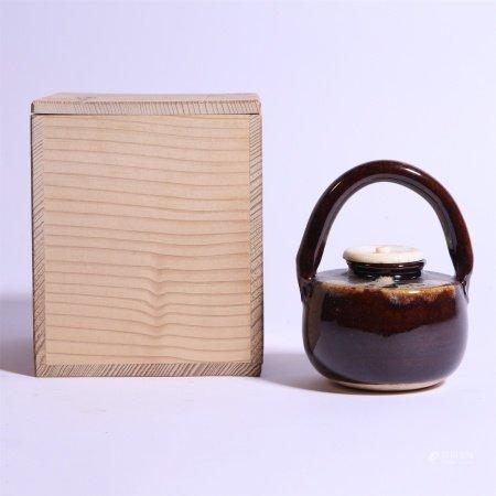 19世纪 酱釉日式提梁罐
