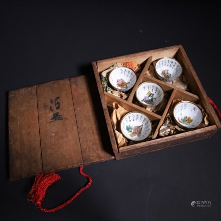 19世纪 日式风格人物杯一套