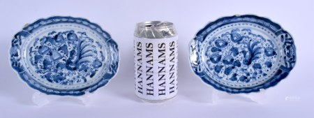 A PAIR OF 19TH CENTURY CHINESE BLUE AND WHITE DISHES bearing Qianlong marks to base. 16 cm x 12 cm.