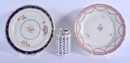 TWO 18TH CENTURY CHELSEA DERBY PORCELAIN PLATES one painted with blue, one painted with a pink borde