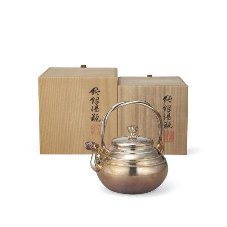 四世蔵六純銀鳳首盉式繩手壺(共箱)