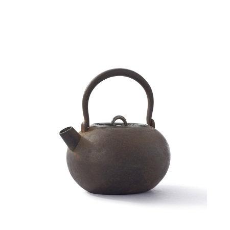 鐵打出古鏡銀被蓋砲口壺