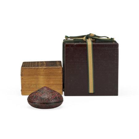 明 存星菊紋寶珠型香盒