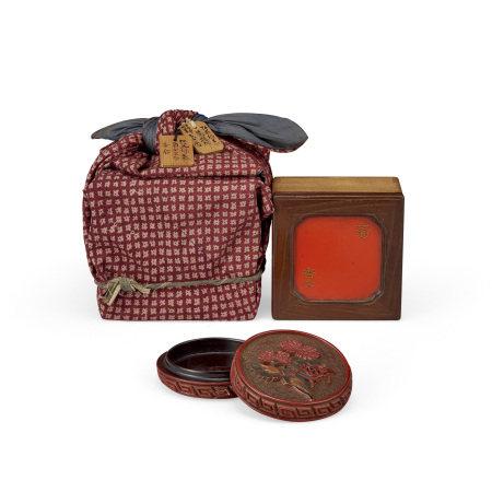 明 紅花綠葉螳螂紋香盒