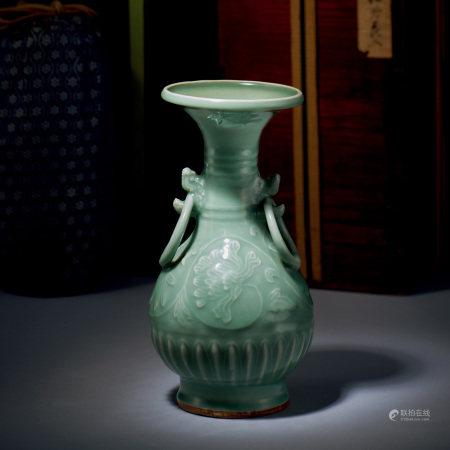 南宋-元 龍泉青釉牡丹紋雙龍環耳瓶