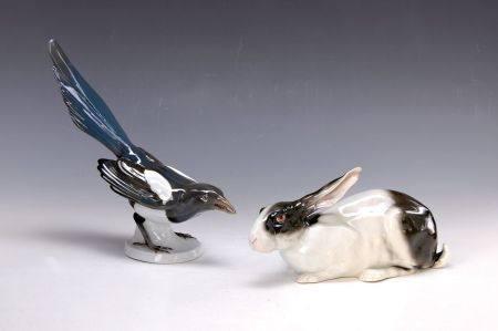 Zwei Porzellanfiguren, um 1905-10, 1x Kaninchen, Goebel, um 1910/10, H.ca. 10cm, 1x [...]