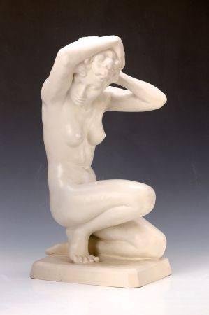 Porzellanfigur, Royal Dux, Elly Strobach-König (1908-2002), Hockende, weiß, [...]