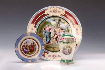 Grosser Wandteller, Vase und Prunkteller Dresden, um 1900, allegorische Motive: bunt [...]