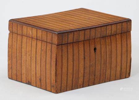 Small veneered wood inlay tea caddy. FR3SH.