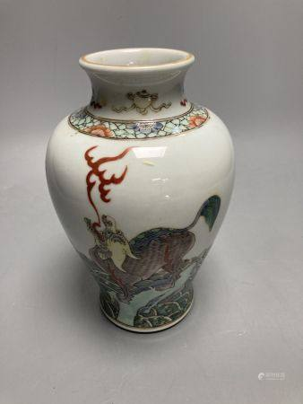 A Chinese famille verte vase, decorated with dragons, height 20cm