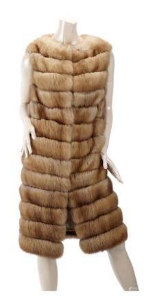MAX REBY. Gilet 78 sans manches en zibeline bargouzine blonde sur intercalaires de daim beige,
