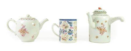A Chinese Porcelain Coffee Pot and Cover, Qianlong, after a European metalware original, of