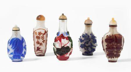 LOT 5 ÜBERFANGGLAS SNUFF BOTTLES
