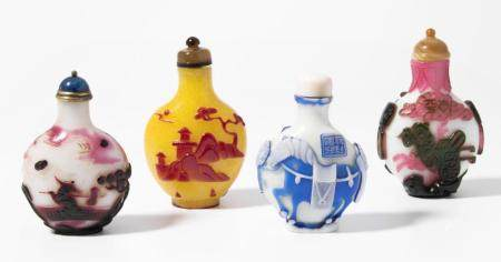 LOT 4 ÜBERFANGGLAS SNUFF BOTTLES