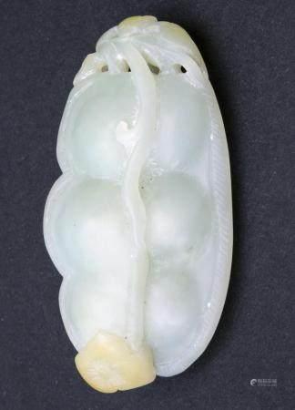 Jadeanhänger / A jade pendant, China, 20. Jh.
