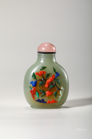 Chinese celadon jade snuff bottle with inlaid