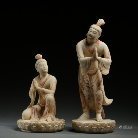A PAIR OF OLD CHINESE WHITE MARBLE CARVED FIGURINES