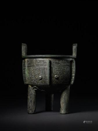 商代晚期 - 西周早期 青銅獸面紋鼎