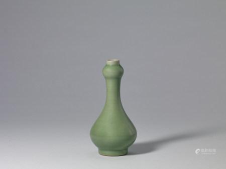 元  龍泉窯蒜頭瓶
