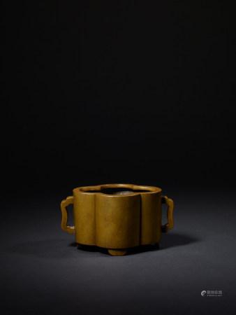 清早期 大明宣德年製款 銅海棠式爐