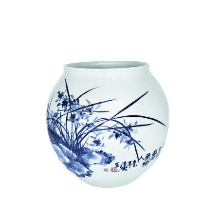 陸濤(國大師) 青花蘭竹瓶