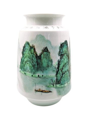 程永安(國大師)  粉彩桂林山水瓶