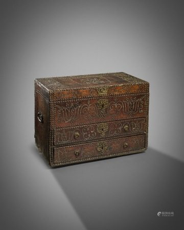 A RARE WILLIAM AND MARY BRASS STUDDED LEATHER CHEST ATTRIBUTED TO THE WORKSHOP OF RICHARD PIGG