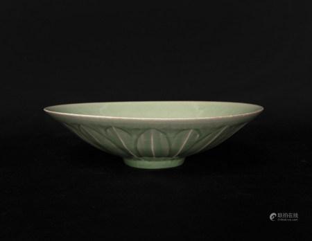 元代-福建龍泉蓮瓣紋碗