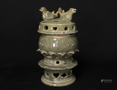 遼代-缸瓦窯綠釉鴨型香薰