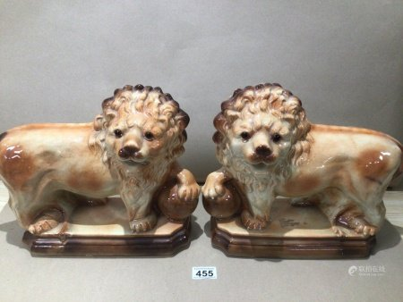 A PAIR OF CHINA LIONS 33 X 28CM