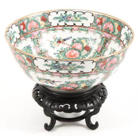CHINESE ROSE MEDALLION PORCELAIN BOWL & STAND