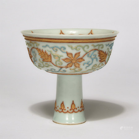 Chinese Engraved Patterns Gold Painted Stem Bowl