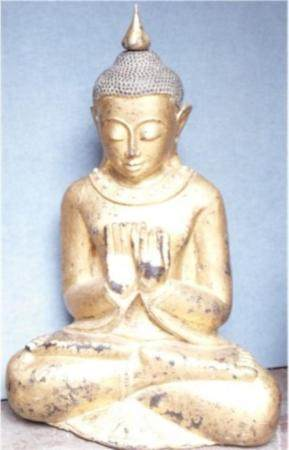 Bouddha assis, bois de teck, serti, feuille d'or, nord de la Birmanie, Mandalie, environ 90-100