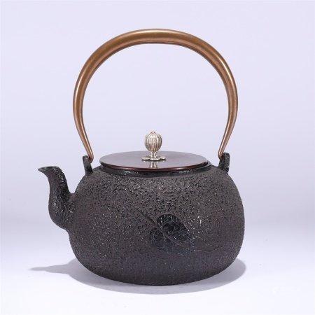 佛叶纹铁壶