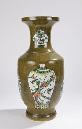 Republic of China porcelain vase, with a speckled green ground and enamel foliate painted panels