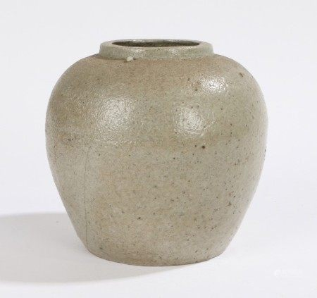 Chinese ginger jar, the pale green jar with a rough surface, the base with a raised six character