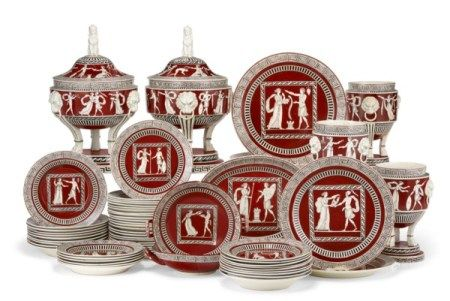 AN ITALIAN PEARLWARE IRON RED-GROUND PART DINNER SERVICE FIRST HALF 19TH CENTURY, ATTRIBUTED TO DEL VECCHIO