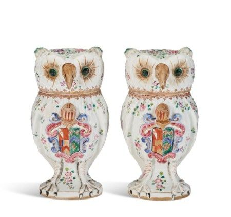 A PAIR OF SAMSON PORCELAIN JARS AND COVERS MODELED AS OWLS 19TH/EARLY 20TH CENTURY, IRON-RED PSEUDO-CHINESE CHARACTER MARKS